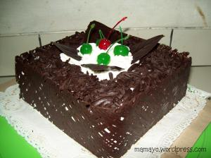 kue ini buat dimakan sendiri. Biasalah. Masa libur lebaran haji nggak ...