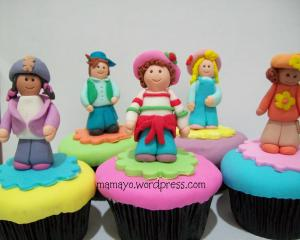 cupcake stawberry shortcake and friends