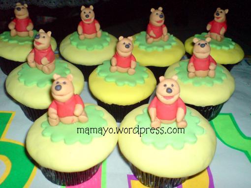 pooh cupcakes
