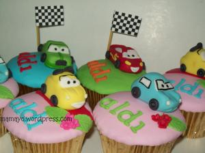 mc queens and friends cupcakes