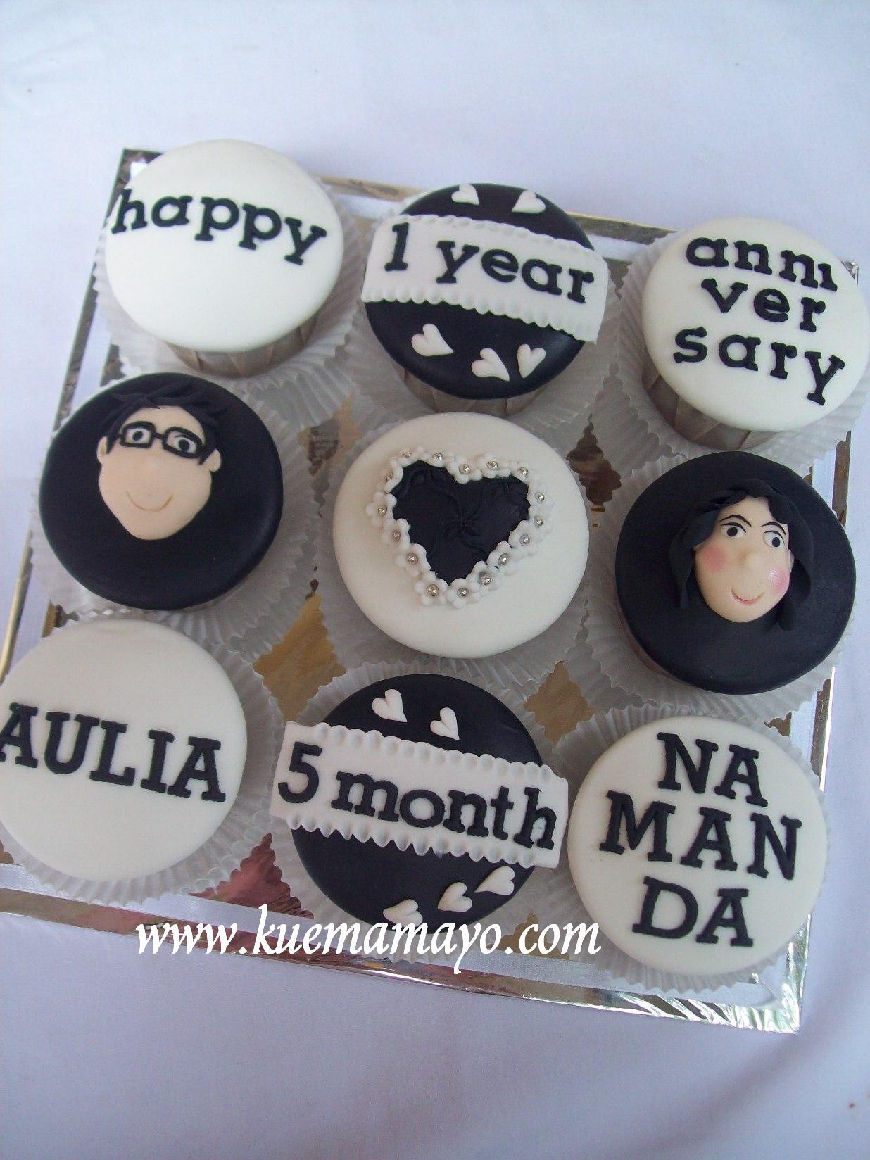 Anniversary Cupcakes Set Mamayo