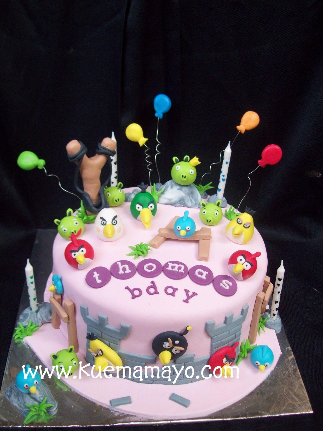 angry bird cake-thomas