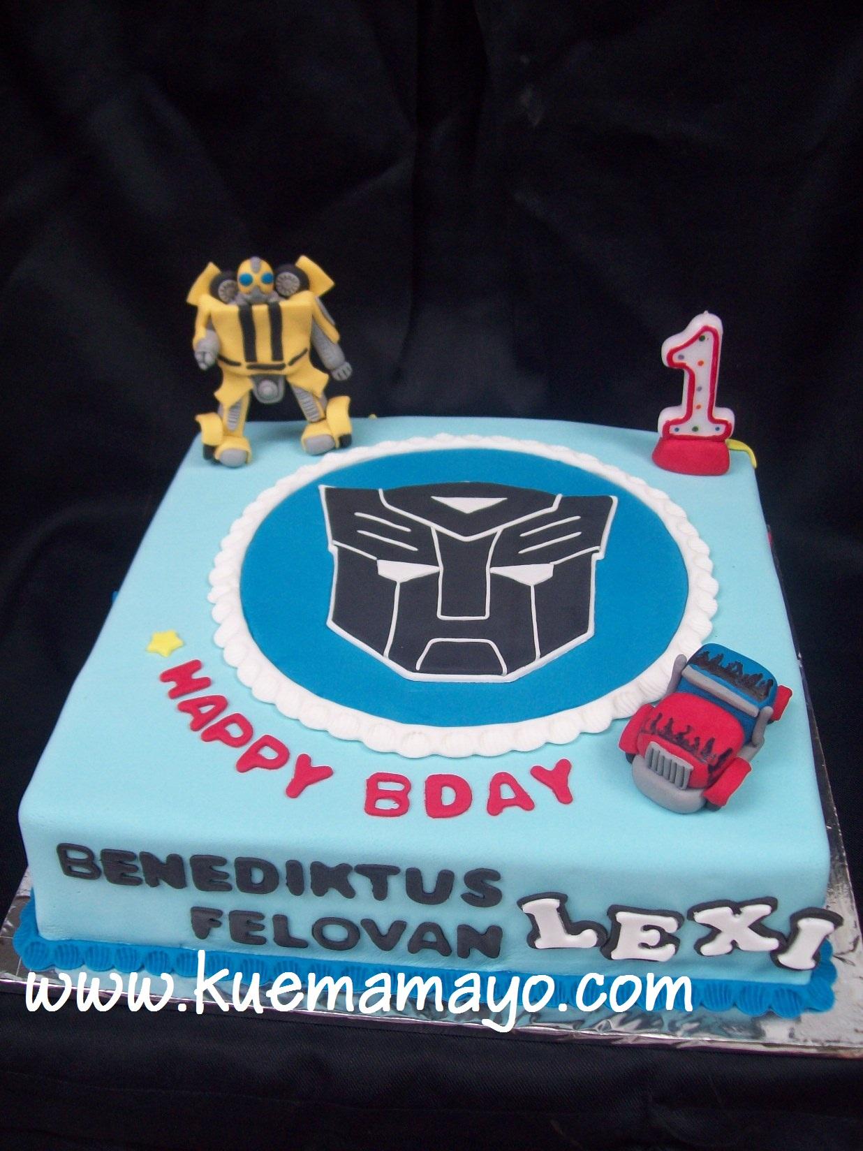 Transformer Cake Benediktus Lexi Felovan Mamayo