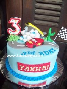 cars mc queen cake (2)