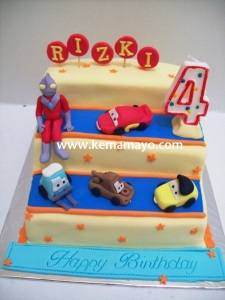 Cars and ultraman cake