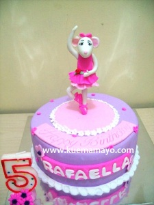 Anggelina ballerina cake