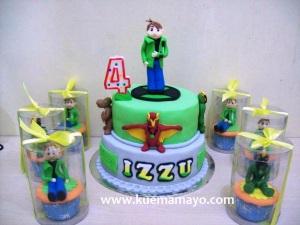 Ben 10 cake and cupcake
