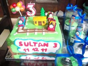 Thomas cake and cupacake
