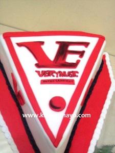 VE logo cake
