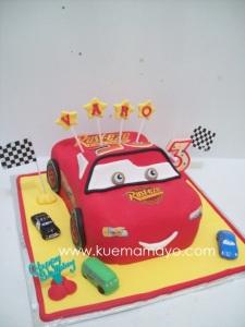 Cars mc queen cake