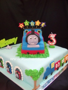101_4605thomas the tank engine cake