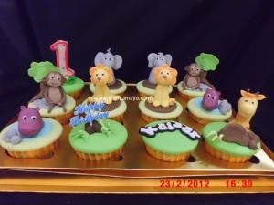 Animal jungle cupcakes